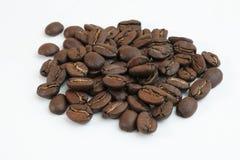 Chicchi di caffè isolati Fotografia Stock Libera da Diritti
