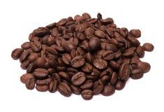 Chicchi di caffè isolati Fotografie Stock Libere da Diritti
