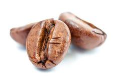 Chicchi di caffè a macroistruzione Immagini Stock Libere da Diritti