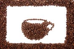 Chicchi di caffè nella forma della tazza. Immagini Stock Libere da Diritti