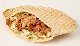 Chiche-kebab - compas gyroscopiques chauds avec les ingrédients frais Photos libres de droits