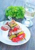Chiche-kebab frit avec de la sauce Images libres de droits