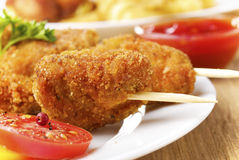Chiche-kebab savoureux de poulet frit Photographie stock
