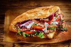 Chiche-kebab turc traditionnel savoureux de doner photo libre de droits