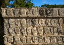 chichen стена tzompantli черепов itza Стоковое Изображение