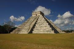 chichen den kukulkan pyramiden för itzaen Arkivfoto