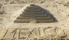 chichen itza墨西哥沙子雕塑 免版税库存图片