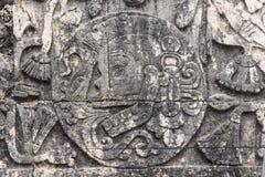 Деталь барельеф на суде центра событий в Chichen Itza стоковая фотография rf