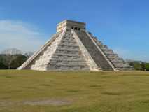 Chichen itza castillo Stock Images