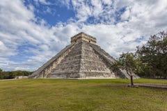 Chichen Itza, de piramide van Mexico - van Kukulcà ¡ n Stock Afbeelding