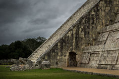 Chichen Itza El Castillo Mayan Pyramide in Yucatan Mexico Stock Foto's