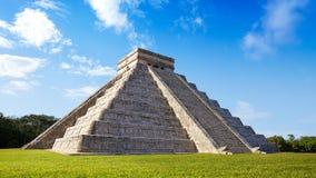 Chichen Itza El Templo Kukulcan tempel Arkivbilder