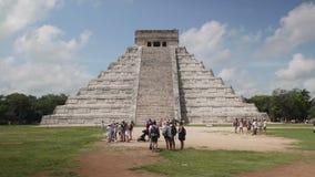 Chichen Itza,Maya pyramid, El Castillo Temple of Kukulcan. tracking camera. Chichen Itza,Maya pyramid. Historical ruins of ancient civilization of Maya, El stock video
