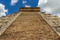Chichen Itza - Maya Temple Ruins antiga em Iucatão, México imagens de stock royalty free