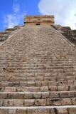 Chichen Itza Mayan Kukulcan pyramid i Mexico Royaltyfria Foton