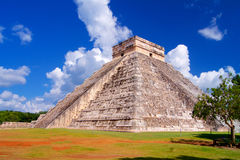 Chichen Itza Mayan pyramid in Yucatan Royalty Free Stock Photos