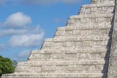 Chichen Itza, Mayapyramide in Yucatan Lizenzfreie Stockfotografie