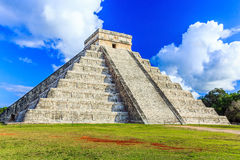 Chichen Itza, Mexico. Kukulcan pyramid in the ancient mayan city Stock Photos