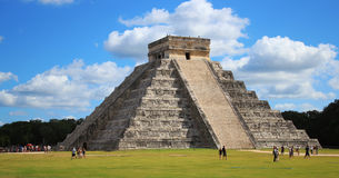Chichen Itza Pyramid. Main pyramid at the Chichen Itza archeologic complex Royalty Free Stock Photography