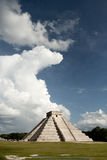 Chichen Itza pyramid. Kulkulkán Temple at Chichen Itza, arqueological in México Stock Photography