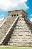 chichen itzapyramiden Royaltyfri Bild