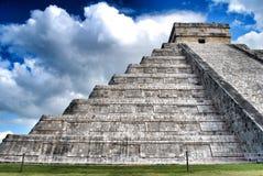 chichen itzapyramiden Royaltyfri Fotografi