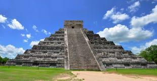 chichen världen för under för den itzamexico pyramiden arkivbilder