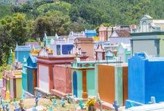 Chichicastenangobegraafplaats stock afbeeldingen