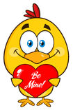 Chick Cartoon Character Holding amarillo lindo un corazón Fotos de archivo libres de regalías