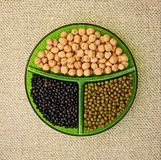 Chick-pea, mung φασόλι και μαύρες φακές Στοκ Φωτογραφίες
