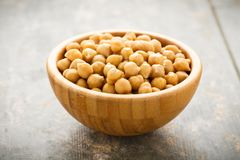 Chick peas in a small bowl Royalty Free Stock Images