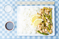Chicken asparagus lemon stir fry Royalty Free Stock Images
