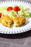 Chicken breadcrumbs salad C Royalty Free Stock Photos