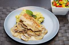 Chicken breast with smashed potatoes Royalty Free Stock Photos