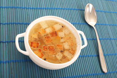 Chicken broth with crackers Royalty Free Stock Photography