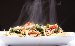 Chicken chow mein Royalty Free Stock Photos