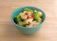 Chicken chunks plus veggies in a bowl Royalty Free Stock Photography