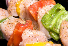 Chicken kebab with bell peppers and seasoning Royalty Free Stock Photography