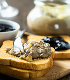 Chicken liver  pate and toasted bread Royalty Free Stock Photos