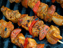 Chicken and pepper kebabs Royalty Free Stock Photography