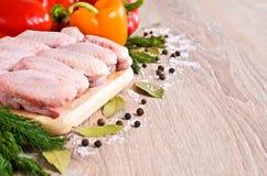 chicken raw wings Стоковые Фото