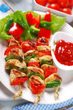 Chicken and vegetable grilled skewers Royalty Free Stock Image