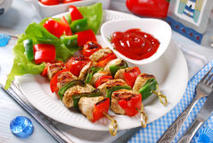 Chicken and vegetable grilled skewers Royalty Free Stock Photo