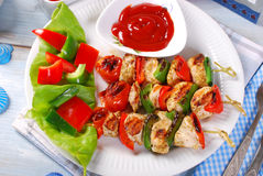 Chicken and vegetable grilled skewers Stock Images