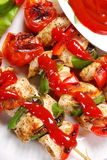 Chicken and vegetable grilled skewers with ketchup Royalty Free Stock Photography