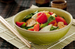 Chicken and vegetable stir fry Stock Photography