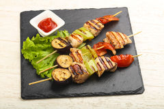 Chicken and vegetables skewer Stock Photography