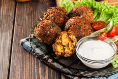 Chickpea falafel balls with vegetables Royalty Free Stock Photos
