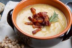 Chickpeas σούπα στο κύπελλο Στοκ Εικόνες