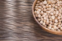 Raw organic chickpeas - Cicer arietinum. Chickpeas contain slow-absorbing carbohydrates and a large amount of fiber Stock Photos